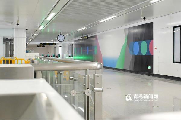 值得期待的不光是青岛地铁极具特色的出入口,地铁车站内的艺术设计