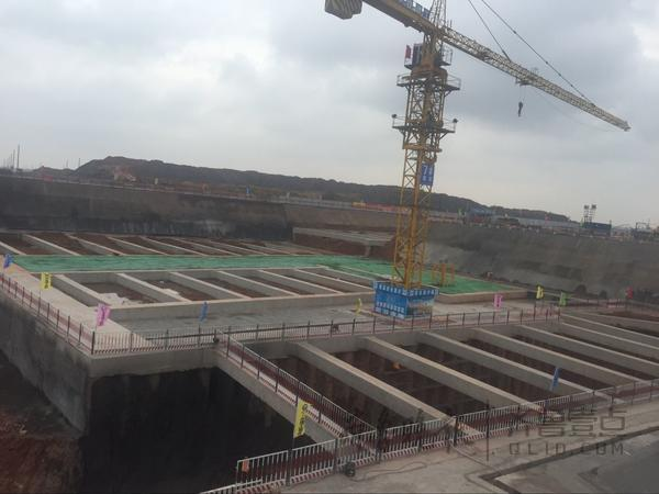 此外,青岛新机场高地铁站房工程专门建造了信息化,工厂化,集约化的