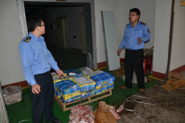 薛城1.1吨不合格猪肉被销毁,多是冰冻肉制品