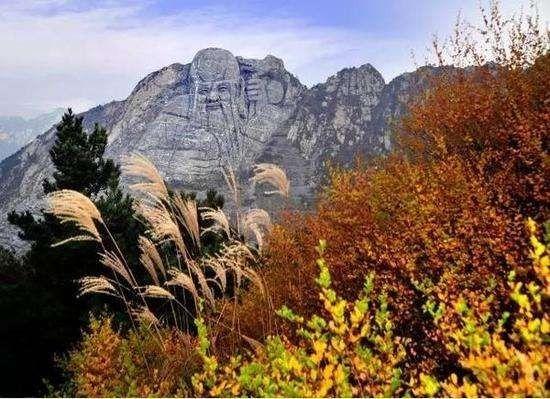 乐享旅游  地址:临朐县石门坊风景区 每到秋天,蒙山便成了彩色的海洋