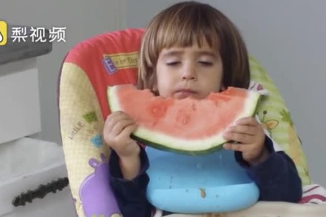 对于小宝宝们来说,吃还是睡?这是一个问题!